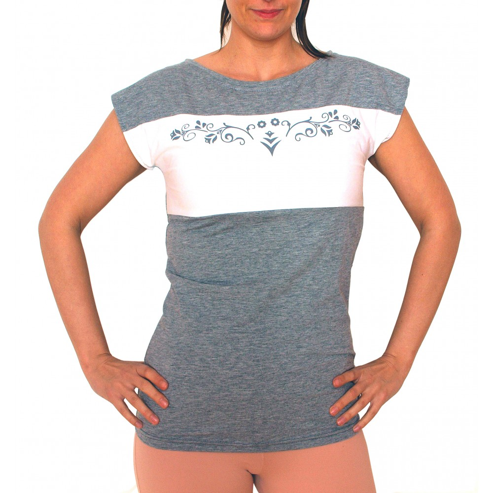 9b26343f6 Dlhšie dámske tričko Barrs Longy Top ctí aktuálne trendy svojim dlhším  vypasovaným strihom. Je ideálny pre letné dni vďaka ľahkému priedušnému  materiálu s ...